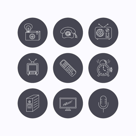 clock radio: Retro camera, radio and phone call icons. Monitor, PC case and microphone linear signs. TV remote, alarm clock icons. Flat icons in circle buttons on white background. Vector