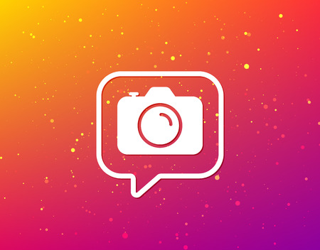 Camera icon. Professional photocamera symbol. Soft color gradient background. Speech bubble with flat icon. Vector  イラスト・ベクター素材