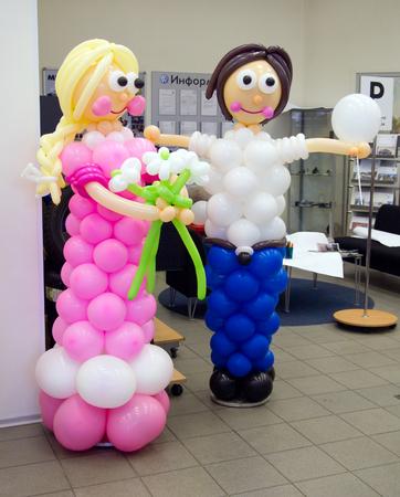 Las figuras humanas de globos
