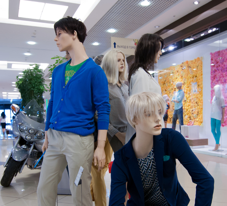 layman: Mannequins in a shopping center Gallery Chizhov