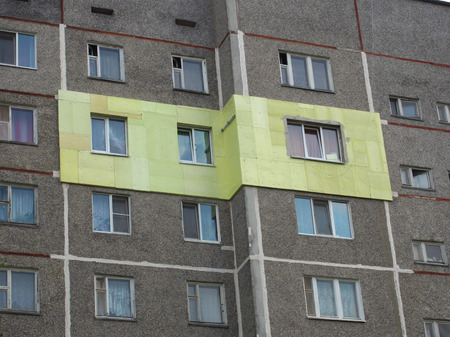 Insulation of the exterior walls of apartments in a high-rise building