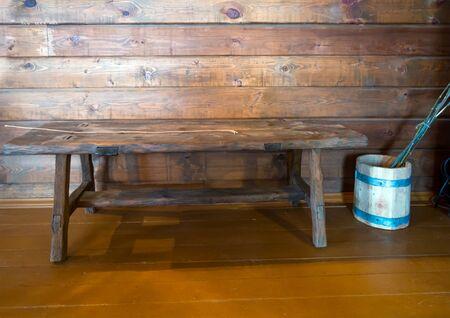 Rekonstruktion eines Platzes für körperliche Züchtigung im Klassenzimmer