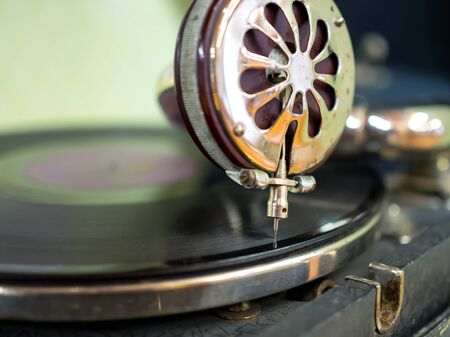 Node playback sound of an old gramophone