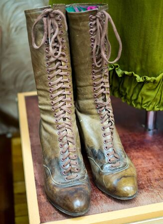 Womens high boots with lacing - shoes of the early 20th century Imagens