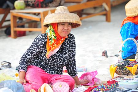 commodities: Los pescadores que venden mercancías pequeñas en la calle