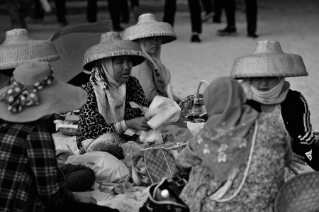 commodities: Fishermen selling small commodities at street
