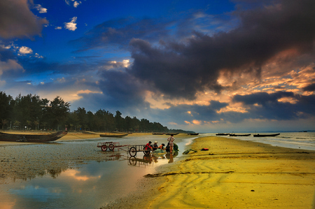 Guangxi Jing Island Beach Side