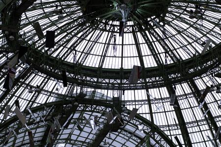 palais: France, Paris : the famous dome of the grand palais. fabulous work of iron and glass; one of the most famous monuments in  paris