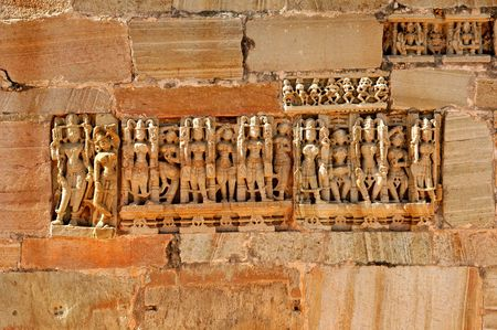 chittorgarh fort: India, Chittorgarh: detail of a wall from the  citadel from the 7th century AD; belongs to the maurya dynasty; the citadel have a strong symbolism; it represents the bravery of the noble and glorious rajput; today is a ruined citadel ; blue sky and an anc