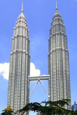 tallest: Malaysia, Kuala Lumpur towers, the worlds tallest twin buildings, designed by Cesar Pelli an argentine american architect, a construction of steel and glass with 88 floor , the facade was designed to resemble to the motifs found in islamic art, view of the skybridge Editorial