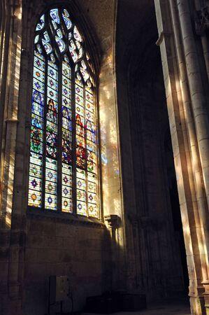 프랑스 루시 루의 고딕 성당에서 1876 1880에서 건물 최고점 worlds했다. 노먼 대성당 리처드 사자 심장의 무덤을 포함합니다. 건물의 실내 모습