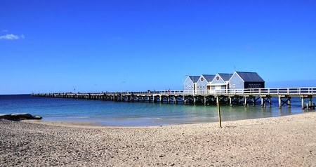 In Australia view of one  longest  wood world Jettys at Busselton in Geographe Bay -western part of the country. The Jetty have 1841 metres out to sea and a underwater observatory  Foto de archivo