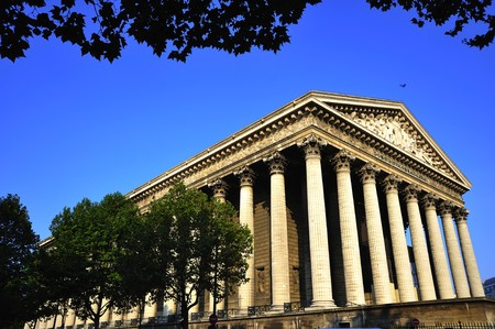buit in: France; Paris: The Madeleine church, in Neo-Classical style, situated in the 8th arrondissent of Paris was buit to the glory of Napoleons army