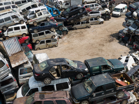 A large number of scrapped old car wrecks piled up Editoriali