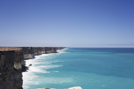 A view of the ocean and the cliffs at the Great Australian Bight. 写真素材
