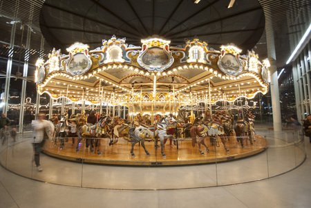 Jane's Carousel under Brooklyn Bridge, New York Imagens - 50893272