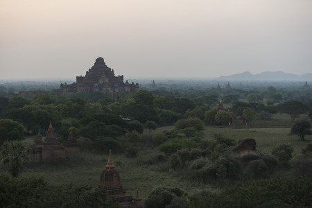 Bagan is an ancient city located in the Mandalay Region of Myanmar. From the 9th to 13th centuries, the city was the capital of the Pagan Kingdom, the first kingdom that unified the regions of modern Myanmar. 版權商用圖片 - 79799660