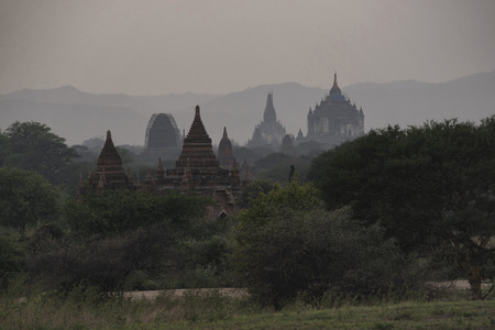 Bagan is an ancient city located in the Mandalay Region of Myanmar. From the 9th to 13th centuries, the city was the capital of the Pagan Kingdom, the first kingdom that unified the regions of modern Myanmar. 版權商用圖片