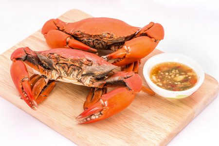 Boiled crab with spicy sauce