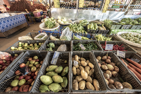 big choice of fresh fruits and vegetables on market counter, Thailand Market Zdjęcie Seryjne