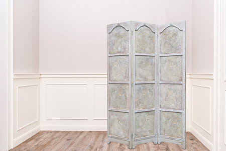 biombo vintage partition for changing cloths
