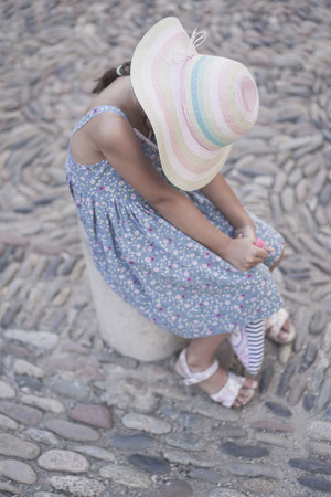 Side view of tennager girl in a stylish hat Zdjęcie Seryjne