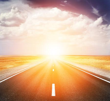 Sonnenuntergang Autobahn Lizenzfreie Bilder