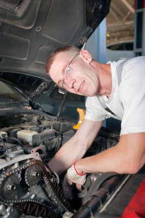 serviceman: auto maintenance serviceman