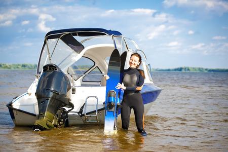 waterskiing: waterskiing