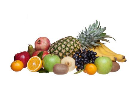 pomegranat: fruits isolated on white