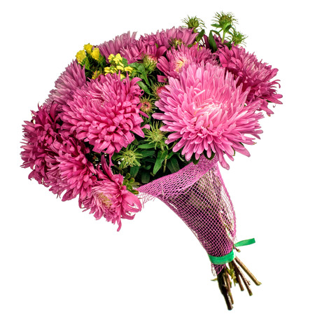 bouquet de fleurs: Beau bouquet de fleurs d'automne rose brillant isolé sur blanc.