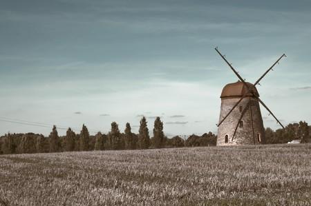 windmill on farm field in summertime Stock Photo - 7929906