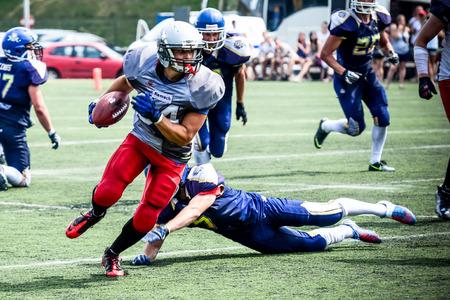 football players: jugadores de fútbol americano de la acción