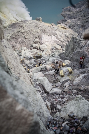 Sulfur mining in Kawah Ijen, Indonesia photo