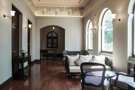 thailändische traditionelle Innenarchitektur antike Möbel kolonialen viktorianischen Stil Editorial