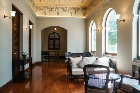 thailändische traditionelle Innenarchitektur antike Möbel kolonialen viktorianischen Stil