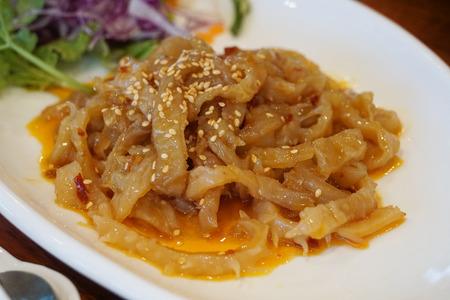 cibo cinese antipasto di meduse di olio di sesamo
