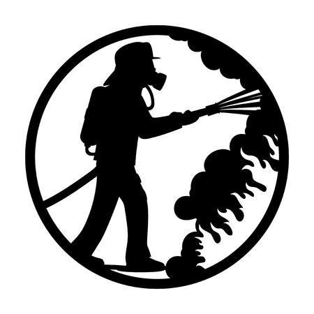 Bombero en una máscara de gas extingue un fuego.