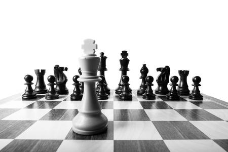 rey: piezas de ajedrez se alinearon Foto de archivo