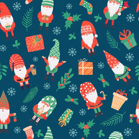 Gnomes seamless pattern. Funny christmas dwarfs and gifts, winter festive print children textile, wrapping paper, wallpaper vector texture. Present boxes, socks and holly berry plant branches Vettoriali