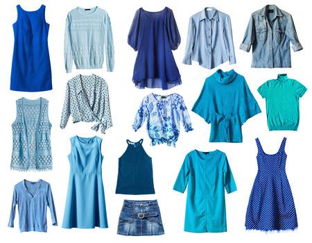 白地に青の女性の服をセットします。