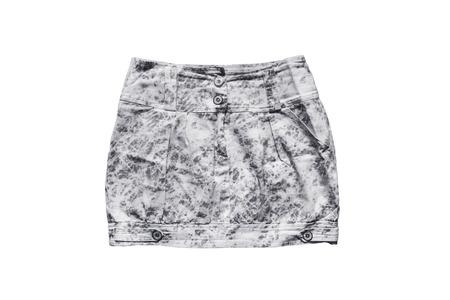 mini skirt: Gris rep�r� mini jupe denim sur fond blanc
