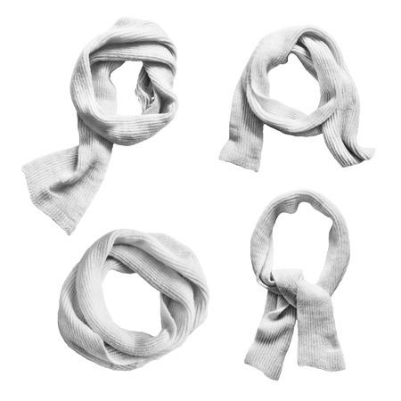 sciarpe: Set di lana annodati sciarpe bianche su sfondo bianco
