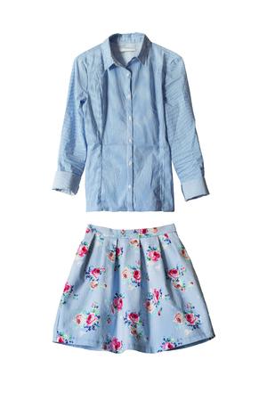 mini skirt: Ensemble de mini jupe et blouse bleue isol� sur blanc Banque d'images