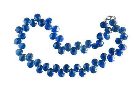 zafiro: Collar de zafiro azul aislado más de blanco Foto de archivo