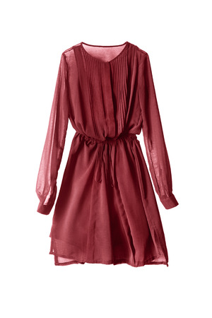 白で分離された赤のシフォン ドレス