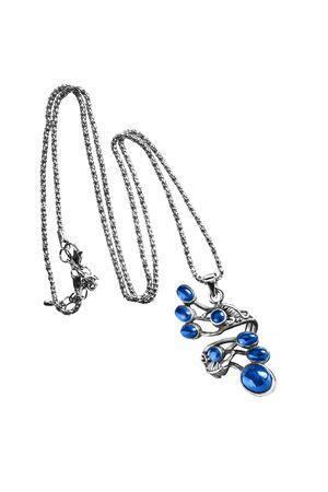 zafiro: cosecha colgante de zafiro azul aislado m�s de blanco