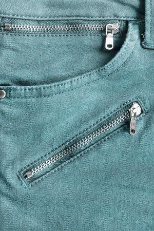 in jeans: Bolsillo de los tejanos con las cremalleras como fondo Foto de archivo