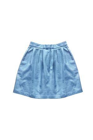 mini falda: mezclilla mini falda azul sobre fondo blanco Foto de archivo