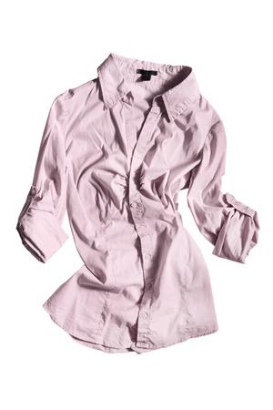blusa: Arrugada blusa rosa aislado más de blanco